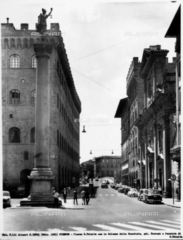 ACA-F-055823-0000 - Column of Justice, Piazza Santa Trinita, Florence