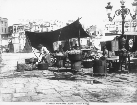 ACA-F-11650A-0000 - Vegetable hawker in Naples