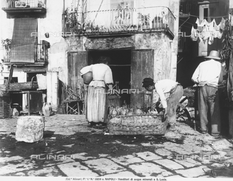 ACA-F-11656A-0000 - Water sellers in Santa Lucia, near Naples