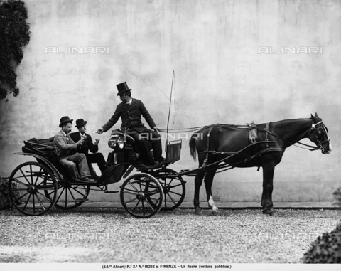 ACA-F-16252A-0000 - A hackney coach, horse-drawn mode of public transport, in Florence