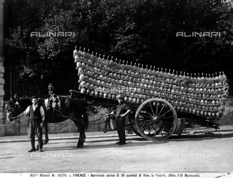 ACA-F-16270C-0000 - Firenze. Cart loaded with thirty quintals of wine in flasks