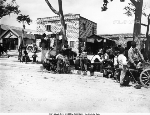 "ACA-F-19851A-0000 - Vendors at the ""Cala"" of Palermo"