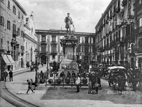 ACA-F-33241A-0000 - Piazza Bologni and the monument to Charles V in Palermo