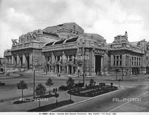 ACA-F-40689A-0000 - Central train station in Milan, designed by Ulisse Stacchini.
