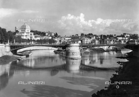 ADA-F-000507-0000 - View of Ponte Garibaldi, Rome