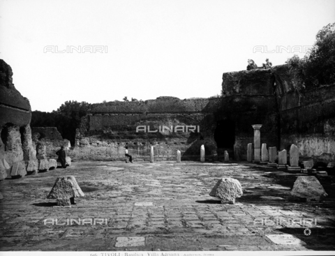 ADA-F-000616-0000 - Ruins of the basilica of Hadrian's Villa in Tivoli - Data dello scatto: 1890 ca. - Archivi Alinari, Firenze