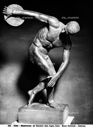 ADA-F-001991-0000 - Ricostruzione in bronzo del Discobolo della regina Elena, Museo Nazionale Romano, Roma - Data dello scatto: 1890 ca. - Archivi Alinari, Firenze