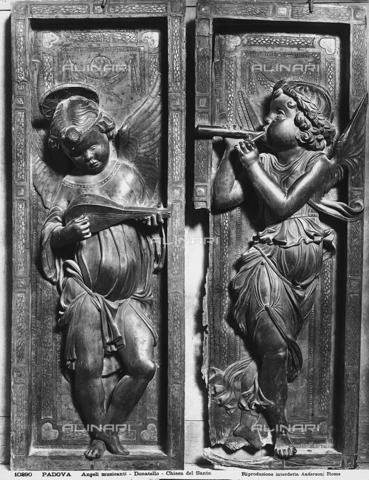 ADA-F-010290-0000 - Angeli musicanti, bassorilievo di Donatello, Basilica del Santo, Padova - Data dello scatto: 1910 ca. - Archivi Alinari, Firenze