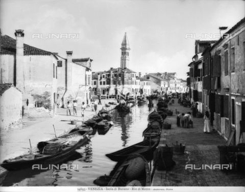 ADA-F-014693-0000 - View of Rio di Mezzo on the Island of Burano in the lagoon of Venice