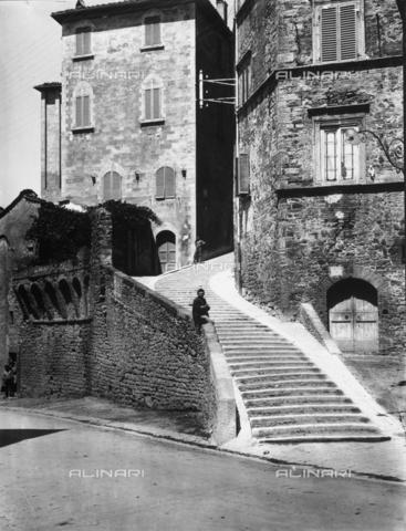 ADA-F-015845-0000 - Via del Poggio in Perugia