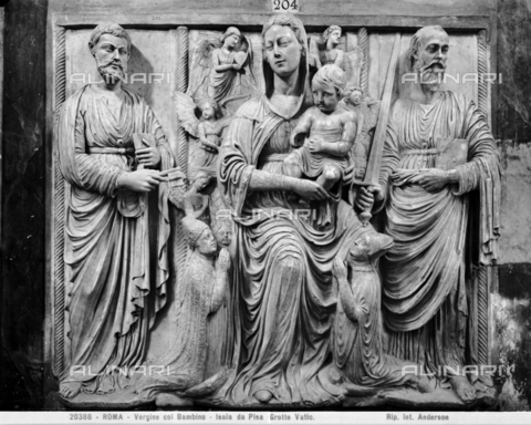 ADA-F-020388-0000 - Madonna and Child, St. Peter's, St. Paul's, Eugene IV and Cardinal Latino Orsini, marble, Isaia da Pisa (around 1447-1464), Vatican Grottoes, St. Peter's Basilica, Vatican City - Date of photography: 1920 - Alinari Archives-Anderson Archive, Florence