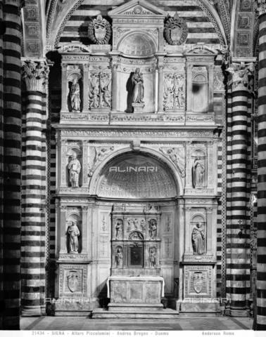 ADA-F-021434-0000 - Altar Piccolomini, marble, Andrea Bregno (c. 1418-1503), left aisle, Duomo (Metropolitan Cathedral of Santa Maria Assunta), Siena - Date of photography: 1921 - Alinari Archives-Anderson Archive, Florence