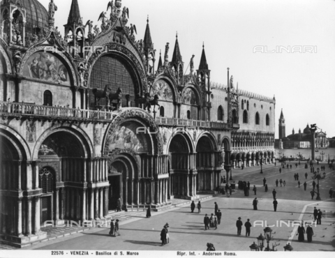 ADA-F-022576-0000 - Detail of a doorway of St. Mark's Basilica, Venice
