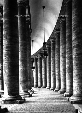 ADA-F-024399-0000 - Colonnade, St. Peter's Square, Vatican City