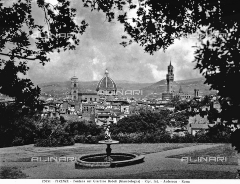 ADA-F-025051-0000 - Panoramic view of Florence from the Boboli Garden. A fountain attributed to Giambologna can be seen in the foreground