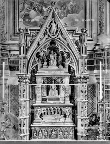 ADA-F-025282-0000 - Funeral monument of Robert I of Anjou the Wise, marble, Giovanni and Pacio Bertini (active in the mid-fourteenth century), Basilica of Santa Chiara, Naples - Date of photography: 1925 - Alinari Archives-Anderson Archive, Florence