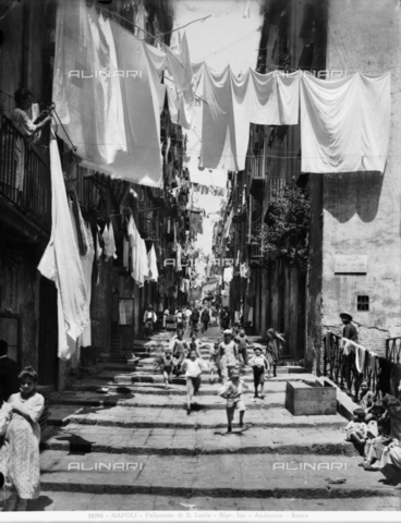 ADA-F-025995-0000 - View of the picturesque Via Chiaia in Naples