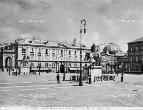ADA-F-025997-0000 - Piazza del Plebiscito a Napoli, sullo sfondo il Palazzo della Prefettura