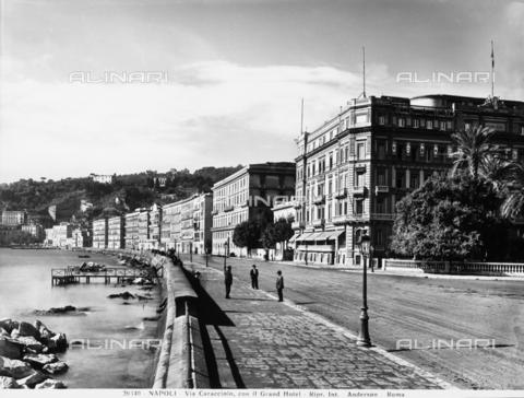 ADA-F-026340-0000 - Veduta di via Caracciolo a Napoli, sulla destra il Grand Hotel