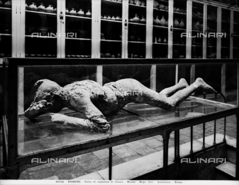 ADA-F-026541-0000 - Cast of a victim of the eruption of Vesuvius in 79 AD discovered in the ruins of Pompeii - Date of photography: 1926 - Alinari Archives-Anderson Archive, Florence