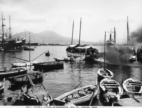 ADA-F-026610-0000 - View of the port of the Immacolatella in Naples