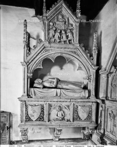 ADA-F-028340-0000 - Sepulchral monument by Ligo Ammannati, marble, 14th century art, Ammannati Chapel, Camposanto monumentale, Pisa - Date of photography: 1928 - Alinari Archives-Anderson Archive, Florence