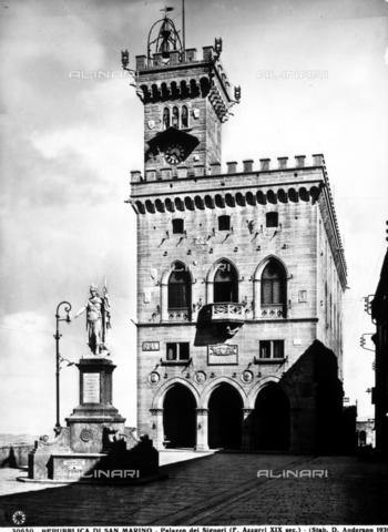 ADA-F-030650-0000 - View of the Palazzo dei Priori located in the Republic of S. Marino. The building was built after a project of Francesco Azzurri. - Data dello scatto: 1930 ca. - Archivi Alinari, Firenze