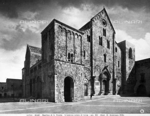 ADA-F-030701-0000 - Basilica di S. Nicola, Bari - Data dello scatto: 1931 - Archivi Alinari-archivio Anderson, Firenze