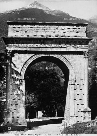 ADA-F-032527-0000 - L'Arco di Augusto a Susa - Data dello scatto: 1930 ca. - Archivi Alinari-archivio Anderson, Firenze