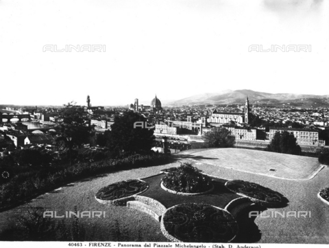 ADA-F-040463-0000 - Panoramic view of Florence from the Piazzale Michelangelo