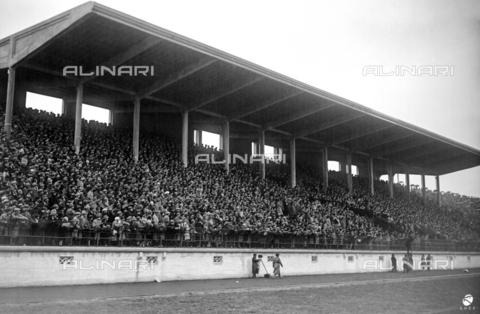 AIL-F-002468-0000 - The indoor grandstand of the National Stadium (National Fascist Party Stadium) packed with public during the Italy-Hungary match; the stadium was demolished in 1957 - Data dello scatto: 25/03/1928 - Luce Institute/Alinari Archives Management, Florence