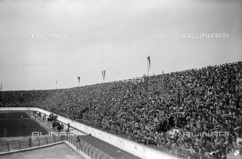 AIL-F-002472-0000 - The National Stadium (National Fascist Party Stadium) packed with public during the Italy-Hungary match; the stadium was demolished in 1957 - Data dello scatto: 25/03/1928 - Luce Institute/Alinari Archives Management, Florence