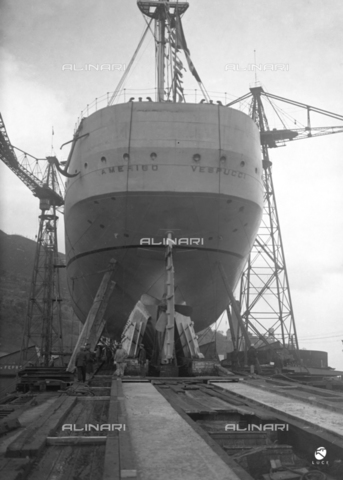 AIL-F-027487-0000 - The stern of the school ship Amerigo Vespucci positioned on the wooden bridge taken for the launch - Date of photography: 22/02/1931 - Luce Institute/Alinari Archives Management, Florence