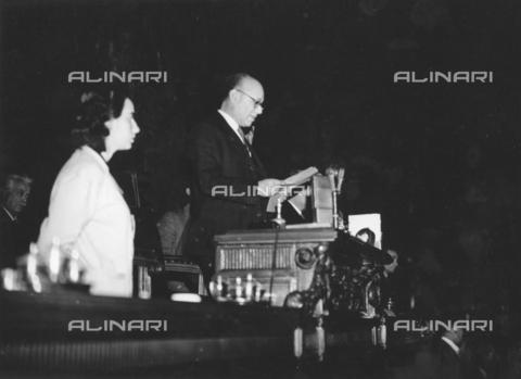 AIL-F-173320-0000 - Il presidente dell'Assemblea Costituente Umberto Terracini ripreso durante la seduta in cui viene votata e approvata la Costituzione - Data dello scatto: 22/12/1947 - Istituto Luce/Gestione Archivi Alinari, Firenze