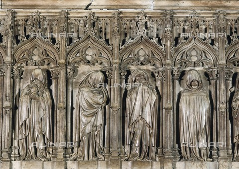 AIS-F-098765-0000 - CANET, Antonio (1394-1431). Sepulchre of the Bishop Ramon d'Escales. 1409 - 1411. SPAIN. Barcelona. Cathedral. Alabaster. Work located at the Chapel of the Holy Innocents. Gothic art. Relief. - Iberfoto/Alinari Archives, J. Bedmar