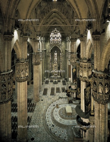 AIS-F-110166-0000 - Duomo or Cathedral of Milan. 1380s. ITALY. Milan. Duomo. Transept. Gothic art. Architecture. - Iberfoto/Alinari Archives, BeBa
