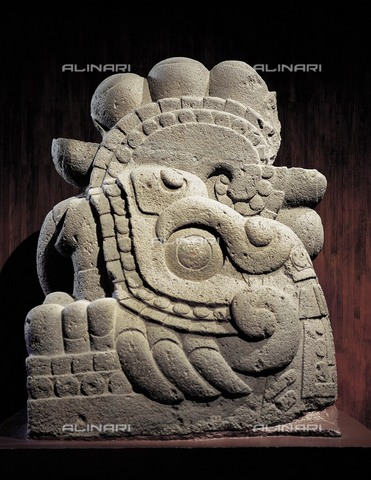 AIS-F-SLY454-0000 - The god Xiuhcoatl, a serpent of fire crowned with stars, coming from Tenochtitlán, stone, Aztec art, Museo Nacional de Antropología, Mexico City - Iberfoto/Alinari Archives