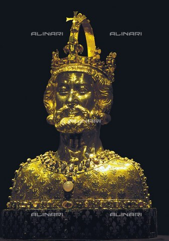 AIS-F-VEZ955-0000 - Relief bust of Charlemagne, gold, precious stones and enamel, Carolingian art of the 13th century, Cathedral of Aachen - Iberfoto/Alinari Archives