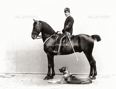 APA-F-003103-0000 - Mario Chesne Dauphiné photographed on horseback