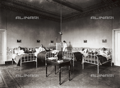 APA-F-007897-0000 - Hospital, former Villa Pisa in Fiesole: patients ward