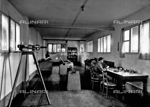 APA-F-008041-0000 - Interior of the Officine Galileo - Date of photography: 1916 ca. - Alinari Archives-Alinari Archive, Florence