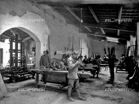 APA-F-008217-0000 - Interior of an airplane factory, in the propeller department