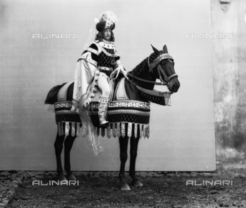 APA-F-00SC04-0000 - Prince Vittorio Emanuele III of Savoy photographed in costume on the occasion of silver jubilee of King Umberto I of Savoy