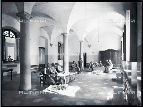 APA-F-012337-0000 - Florence. Hospital of San Salvi. Patients carding wool