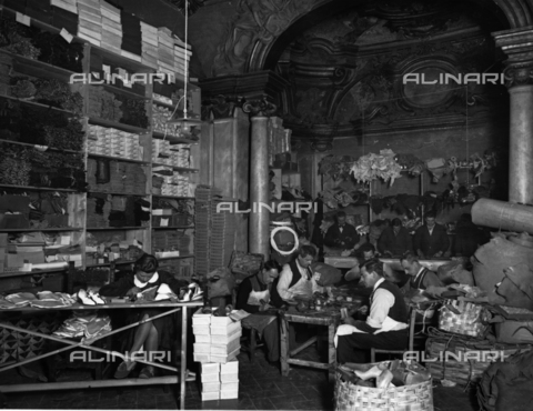 APA-F-014643-0000 - Florence. The Ferragamo shoe workroom in Palazzo Feroni