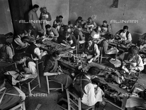 APA-F-014645-0000 - Florence. The Ferragamo shoe workroom in Palazzo Feroni