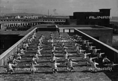 APA-S-000106-0001 - Villa Rosa Maltoni Mussolini: young students exercising