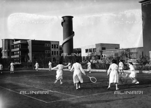 APA-S-000107-0007 - Villa Rosa Maltoni Mussolini: female students during a tennis match