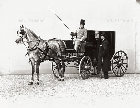 APA-S-000690-0002 - Conte della Gherardesca photographed while standing next to his carriage driven by a coachman