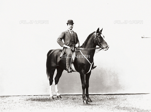 APA-S-002604-0001 - Marchese Stabile on horseback